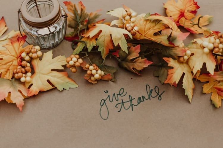 Leaves with give thanks lettering