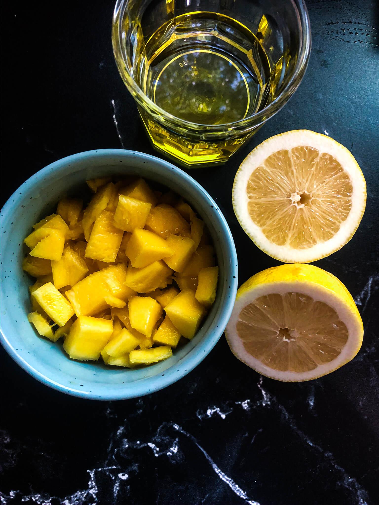 Fresh Mangos For Dressing